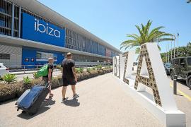 Directores de hoteles en Ibiza reconocen que hay una «grave crisis» de demanda turística