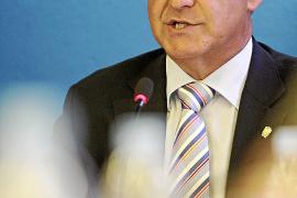 Sala critica que la estructura que propone Serra concentra el poder «en unos pocos»