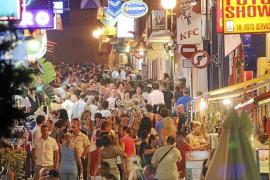 Sant Antoni reconoce dificultades para evitar que las 'bodegas' vendan alcohol las 24 horas