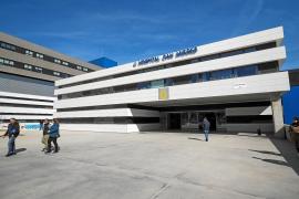 Sale de la UCI de Can Misses el último paciente hospitalizado por coronavirus