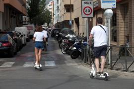 Vila adapta su ordenanza de circulación a la regulación del uso de patinetes eléctricos