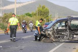 Herido leve un conductor en una nueva colisión en la carretera de Sant Josep