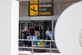 La llegada de turistas extranjeros a España cae un 100% en mayo por el cierre de fronteras