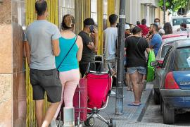 Las 'colas del hambre' y el paro siguen creciendo en Ibiza