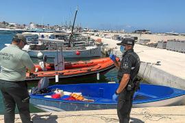 Cuarentenas vigiladas en Can Misses y Sant Josep para los 17 argelinos detenidos