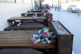 La suciedad en el aeropuerto de Ibiza, en imágenes. (Fotos: Daniel Espinosa)