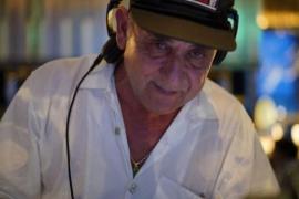 El mítico dj José Padilla apela a la solidaridad de sus seguidores tras encontrarse en bancarrota y enfermo de cáncer