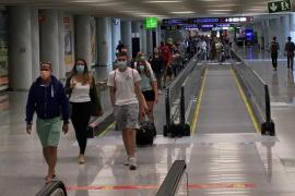El Govern envía una carta a Ábalos para denunciar la subida de precios de los vuelos