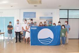 Santa Eulària entrega las cinco banderas azules obtenidas este año