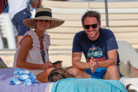 Los hermanos Bono se reencuentran en las playas de Ibiza