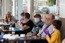 """La patronal hotelera pitiusa sostiene que el uso de la mascarilla """"no es un plato de buen gusto"""" para el turismo"""