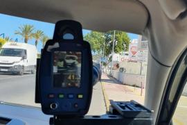 La Policía de Sant Antoni denuncia a un conductor que triplicó la tasa de alcohol y circulaba sin carné