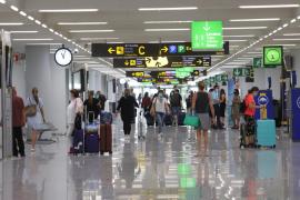 Los aeropuertos de Baleares operan 524 vuelos este sábado, el 70 % internacionales