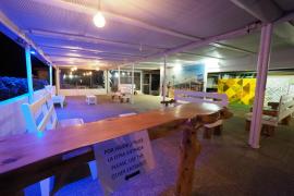 Un establecimiento de Platja d'en Bossa, el pasado sábado noche.