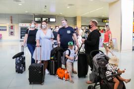 El Consell d'Eivissa valora de manera «muy positiva» el plan piloto de turismo británico