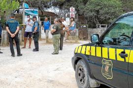 Medio Ambiente del Govern abre tres actas por chárter ilegal en ses Salines