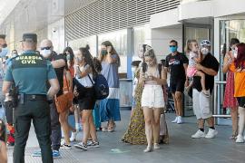 Ibiza recibe siete vuelos diarios desde Barcelona en pleno rebrote de COVID-19