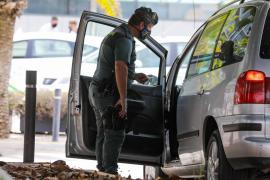 Tres personas son denunciadas en Ibiza por transporte irregular de pasajeros desde el aeropuerto
