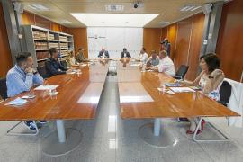 Sánchez se quiere quedar la caja de los municipios y los consells