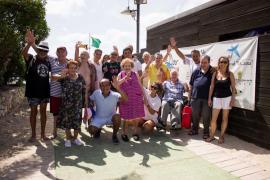 'Un Mar de Posibilidades' ha acercado a los residentes de Cas Serres los beneficios del agua en su 17ª edición