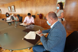 El Consell concierta el servicio de dos centros de día más de tres años después