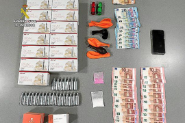 Libertad bajo fianza para el joven británico detenido por distribuir drogas a través de grupos de Whatsapp