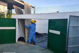 El Ayuntamiento de Sant Antoni retira la uralita del colegio Buscastell