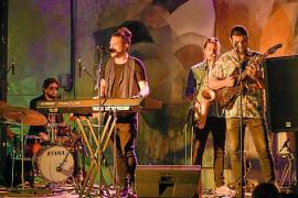 Las Dalias retoma con éxito la nueva temporada de música en directo