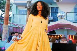 La moda 'portmanyina' se viste de gala en un desfile