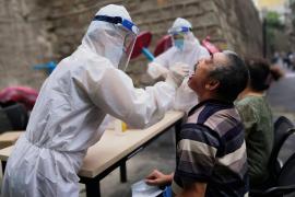 China confirma 17 casos de coronavirus de transmisión local en Xinjiang