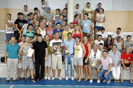 Pepe Reina y Fernando Hierro visitan el Centro Penitenciario de Eivissa