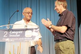 Serra se convierte en el nuevo presidente del PP con sólo 22 votos más que Sala