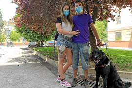 Ryanair veta el vuelo a una persona ciega por no llevar un documento de su perro