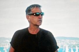 'Tan cerca, tan lejos': crónica de los años en una Ibiza que no te imaginabas
