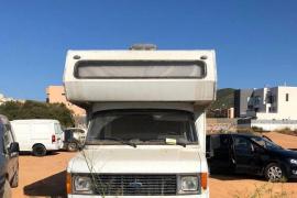La Policía Local de Ibiza interpone 26 denuncias durante un control de caravanas y acampadas