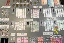 Visto para sentencia el juicio al conductor de un 'taxi pirata' cazado con un surtido de drogas