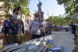 Sant Jordi: este año flores, libros y mascarillas