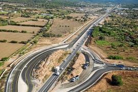 El carril bici entre Jesús y Puig d'en Valls se complica por una línea de media tensión