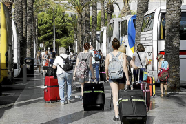 El transporte discrecional incluirá a todos los trabajadores en los ERTE
