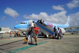 El gigante turístico TUI cancela todos sus vuelos a España menos Baleares desde el Reino Unido