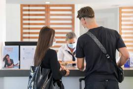 Los hoteleros de Ibiza consideran «muy negativa» la recomendación del Reino Unido de no viajar a España