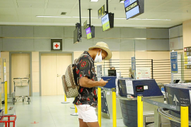 Indignación entre los turistas británicos por la decisión de imponer una cuarentena