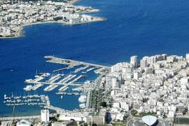 Ports reconoce los impactos que provocaba el tráfico comercial de ferris en la bahía de Portmany