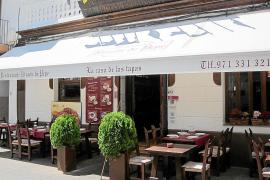Deliciosas tapas mediterráneas para disfrutar con amigos en un lugar de gran tradición