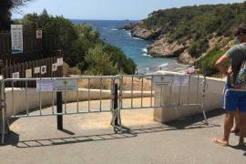 Santa Eulària cierra el acceso a Cala Boix para evitar el exceso de bañistas