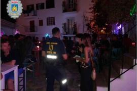 La Policía denuncia a siete locales de Ibiza por incumplir las normas sanitarias