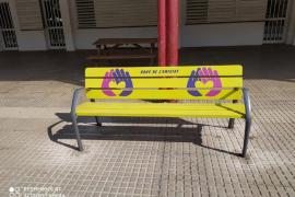 El banco de la amistad llega a Vila para fomentar la colaboración en la infancia y adolescencia