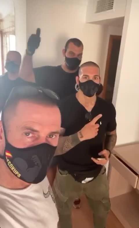Desalojan a cinco 'okupas' de un apartamento en el centro de Ibiza