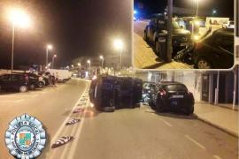 Un conductor choca en Ibiza y se da a la fuga dejando su pasaporte en el coche