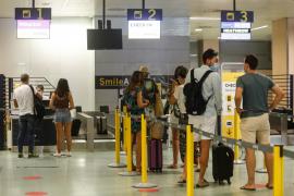Govern y sector turístico afirman que la cuarentena del Reino Unido es letal